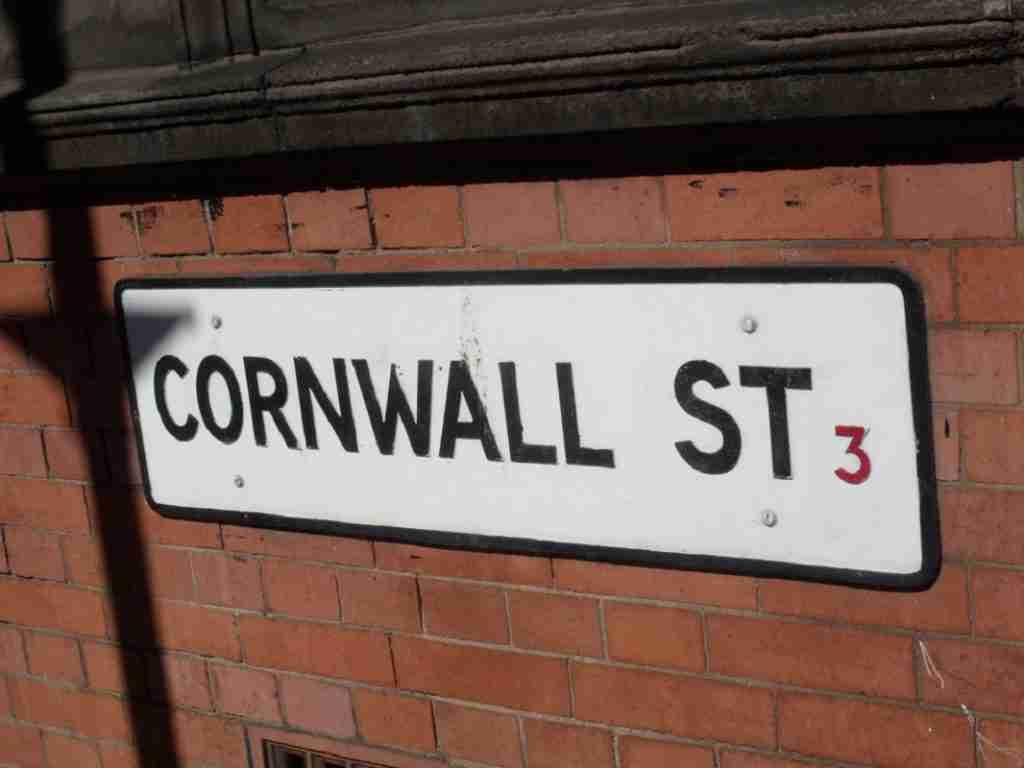 英國生活 必看!帶你認識隨處可見的英國街道指標 英國留學生活