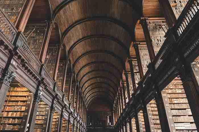 【愛爾蘭景點推薦】剛到都柏林去哪玩 來個City Tour吧 The Book of Kells