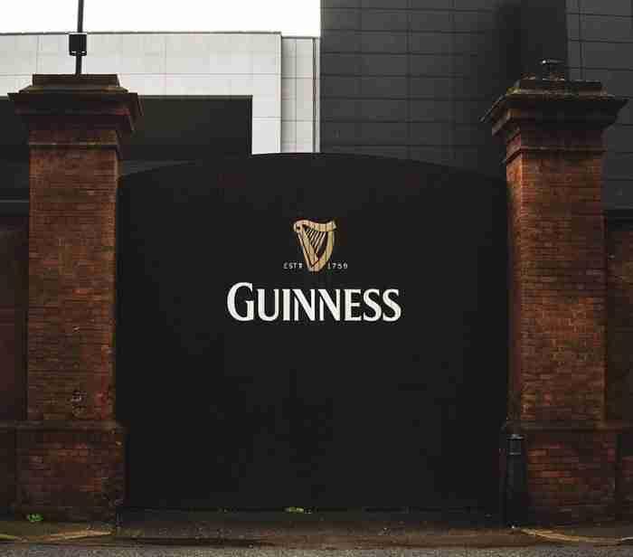 【愛爾蘭景點推薦】剛到都柏林去哪玩 來個City Tour吧 健力士酒廠 Guinness Storehouse