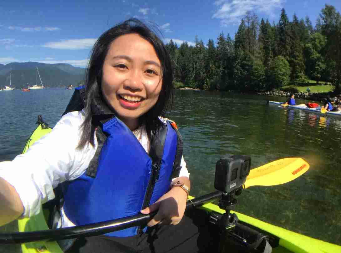 加拿大溫哥華景點-超美湖景Deep Cove獨木舟初體驗!